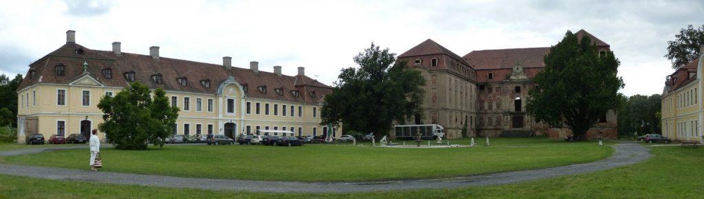 Pałac Promnitza-Brühla - zespół pałacowo-parkowy z XVII wieku